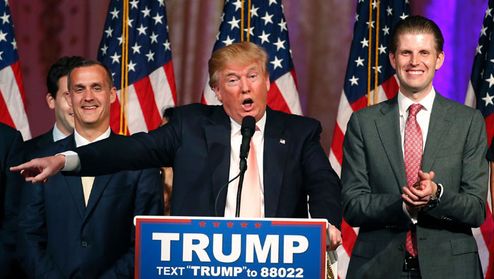 Trump vows to stand by campaign manager