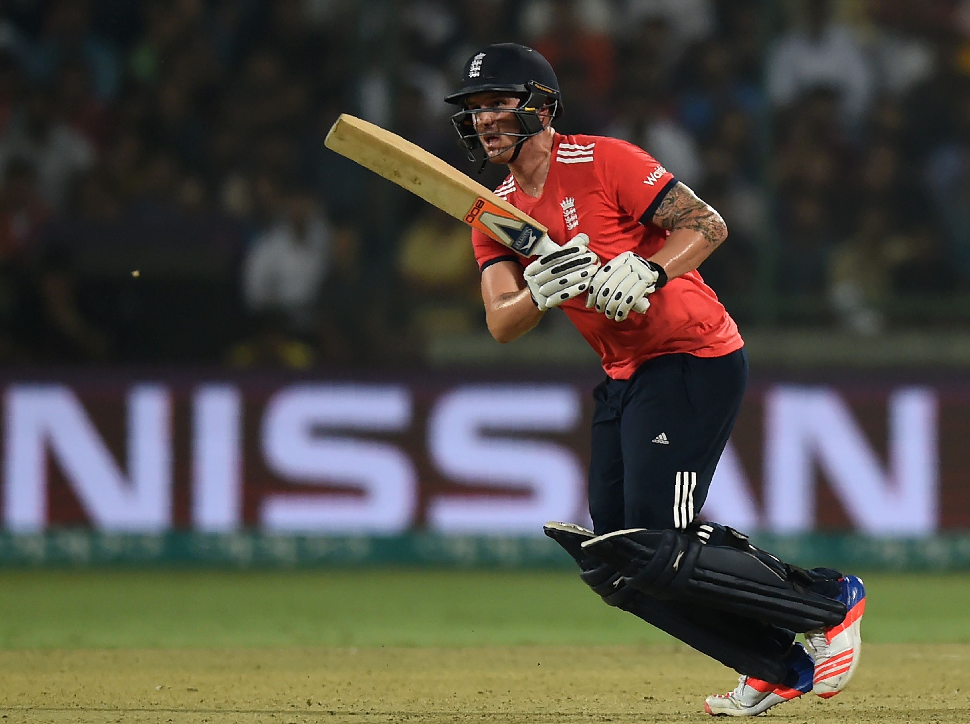 Brilliant Roy takes England to final of ICC World T20