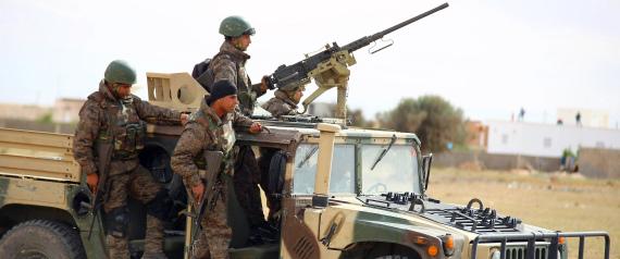 التوتر يضرب طرابلس.. رئيس حكومة الوفاق يصل العاصمة.. والسلطات المحلية تطالبه بالمغادرة