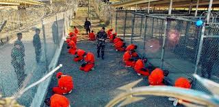 غوانتنامو: 12 معتقلاً في طريقهم للمغادرة.. هل ينجح أوباما في إغلاق المعتقل سيئ الصيت؟