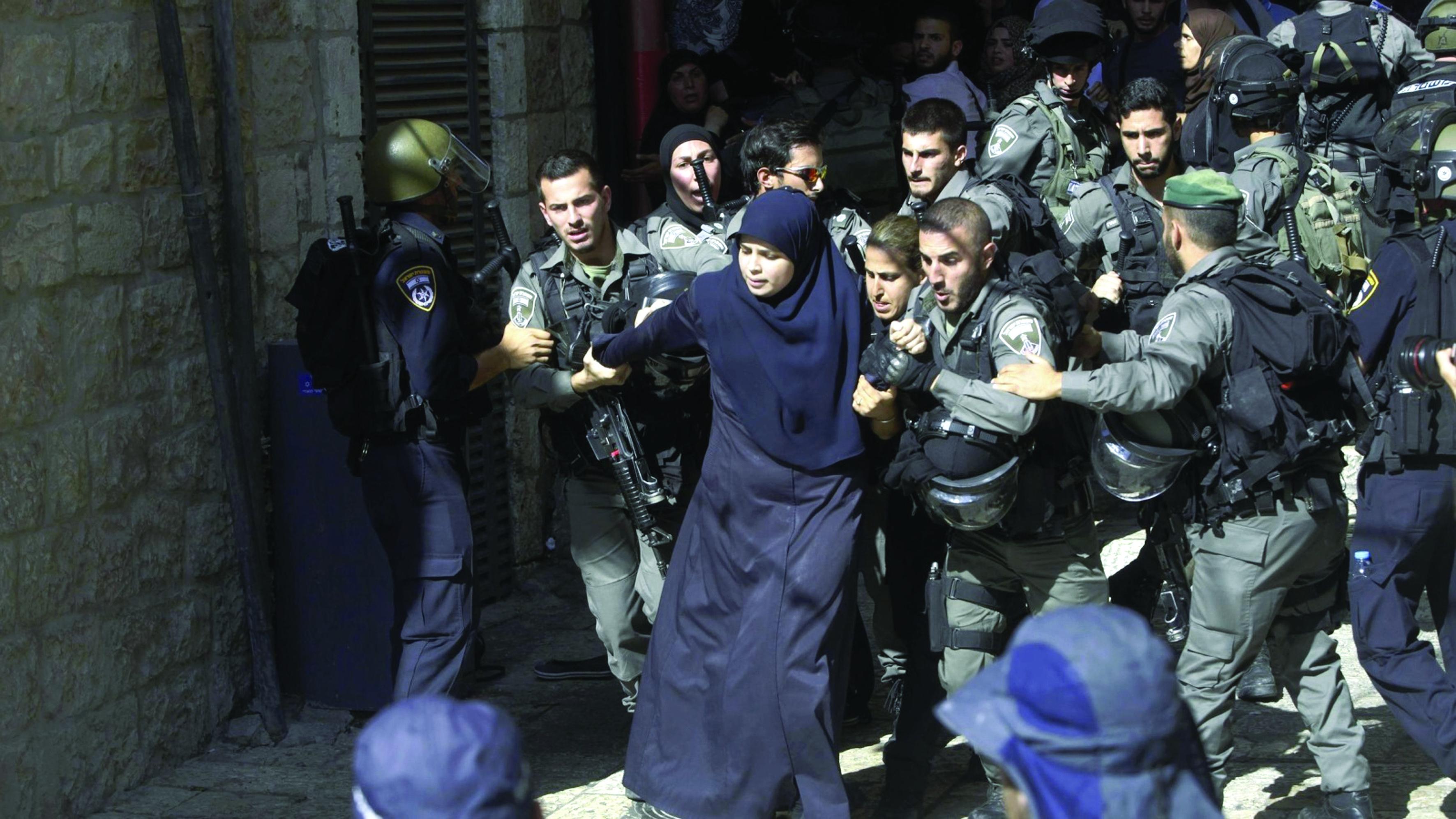 57 أسيرة فلسطينية منذ اندلاع الانتفاضة