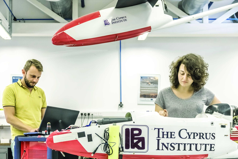 معهد قبرص يفتح أبوابه للطلاب العمانيين