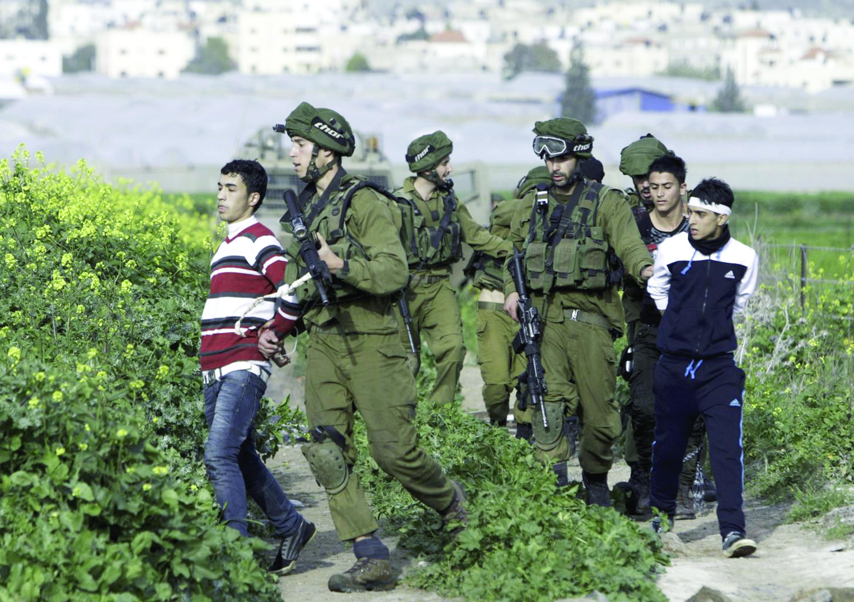 7000 أسير فلسطيني في سجون الاحتلال