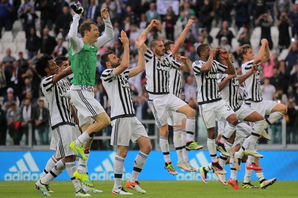 يوفنتوس يسحق باليرمو برباعية نظيفة ويدنو من لقب الدوري الإيطالي