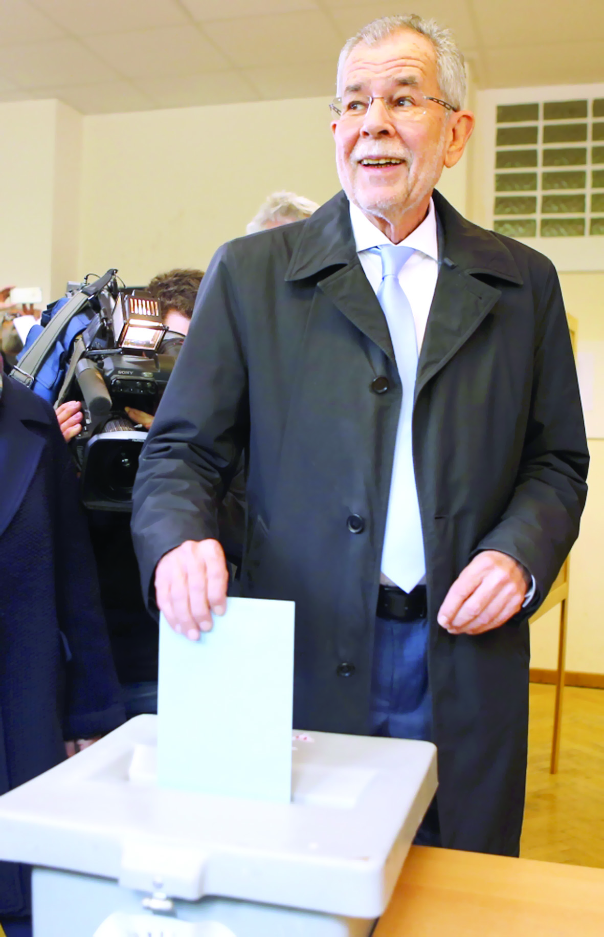 ناخبو النمسا يدلون بأصواتهم في انتخابات رئاسية فاصلة