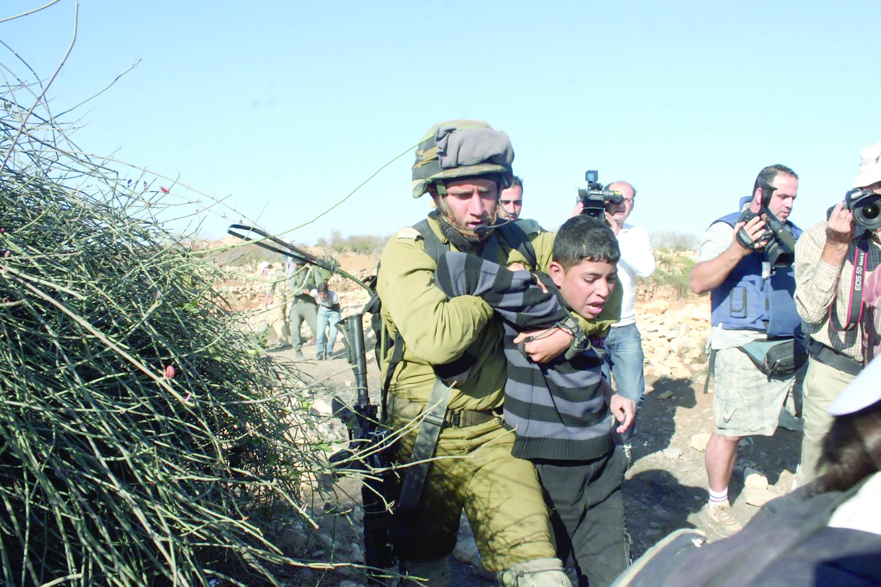 الاحتلال يضاعف اعتقاله للأطفال
