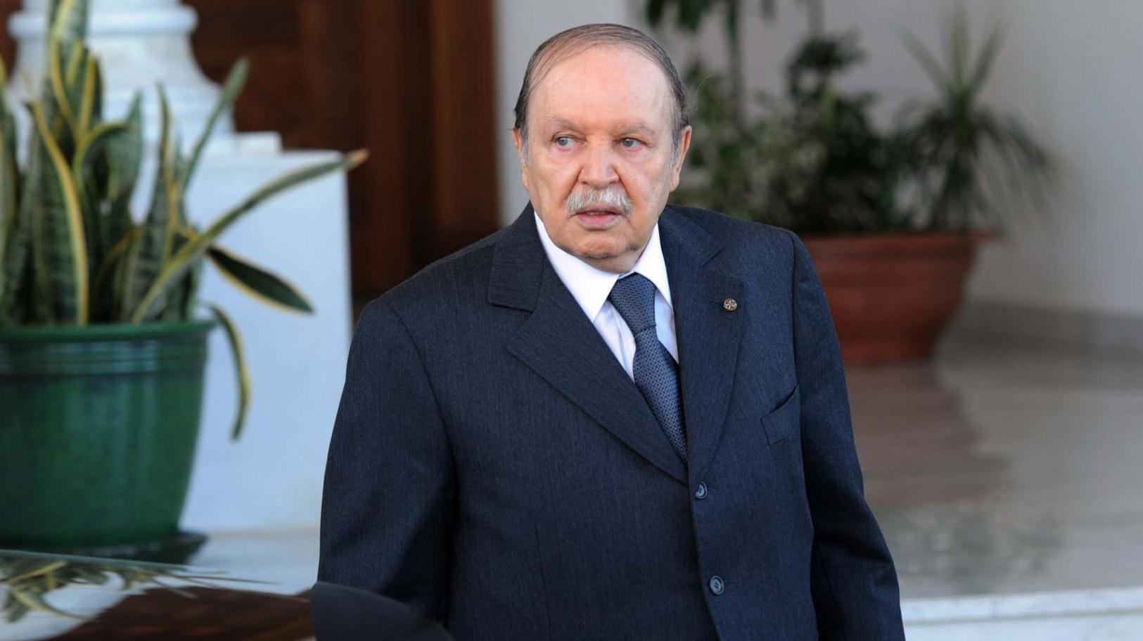 لماذا يقاضي الرئيس الجزائري صحيفة لوموند الفرنسية ؟