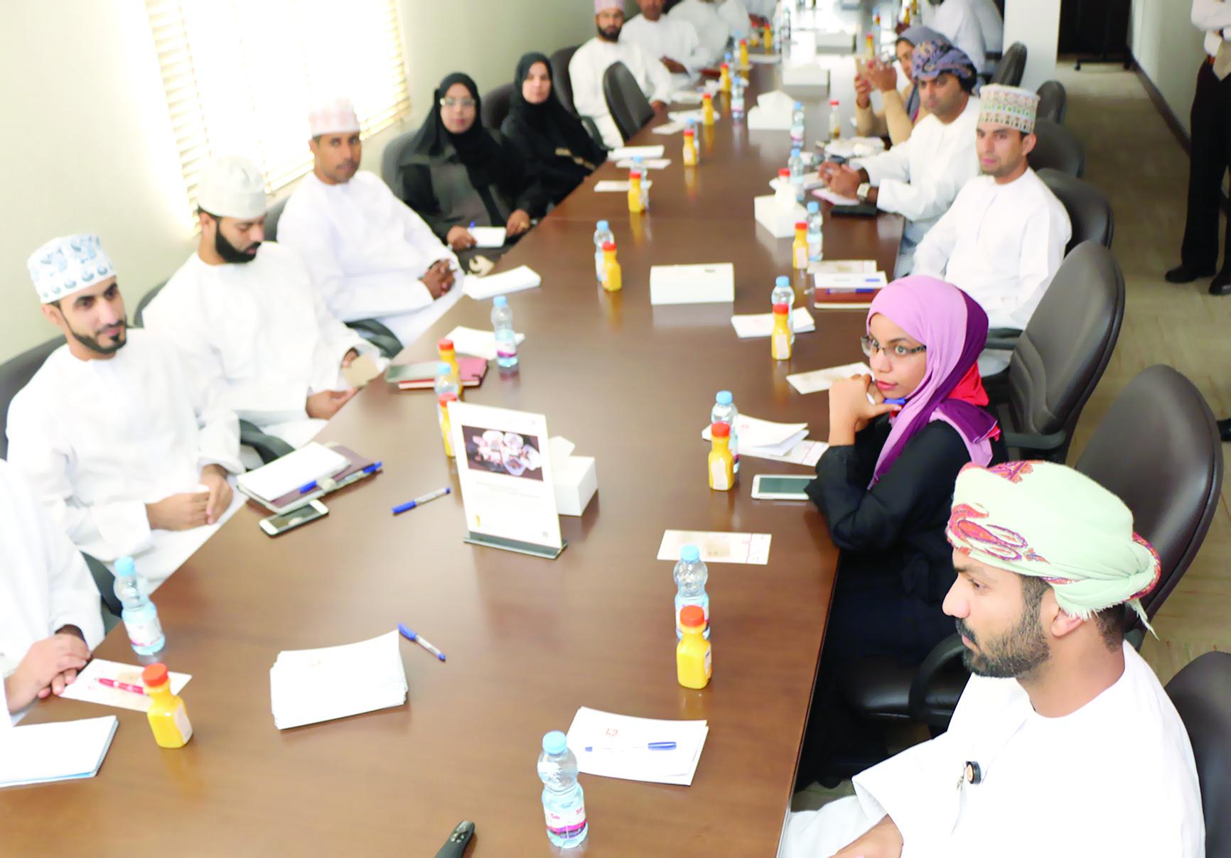 جلسة تعريفية بالخدمات المالية المتاحة للمؤسسات الصغيرة