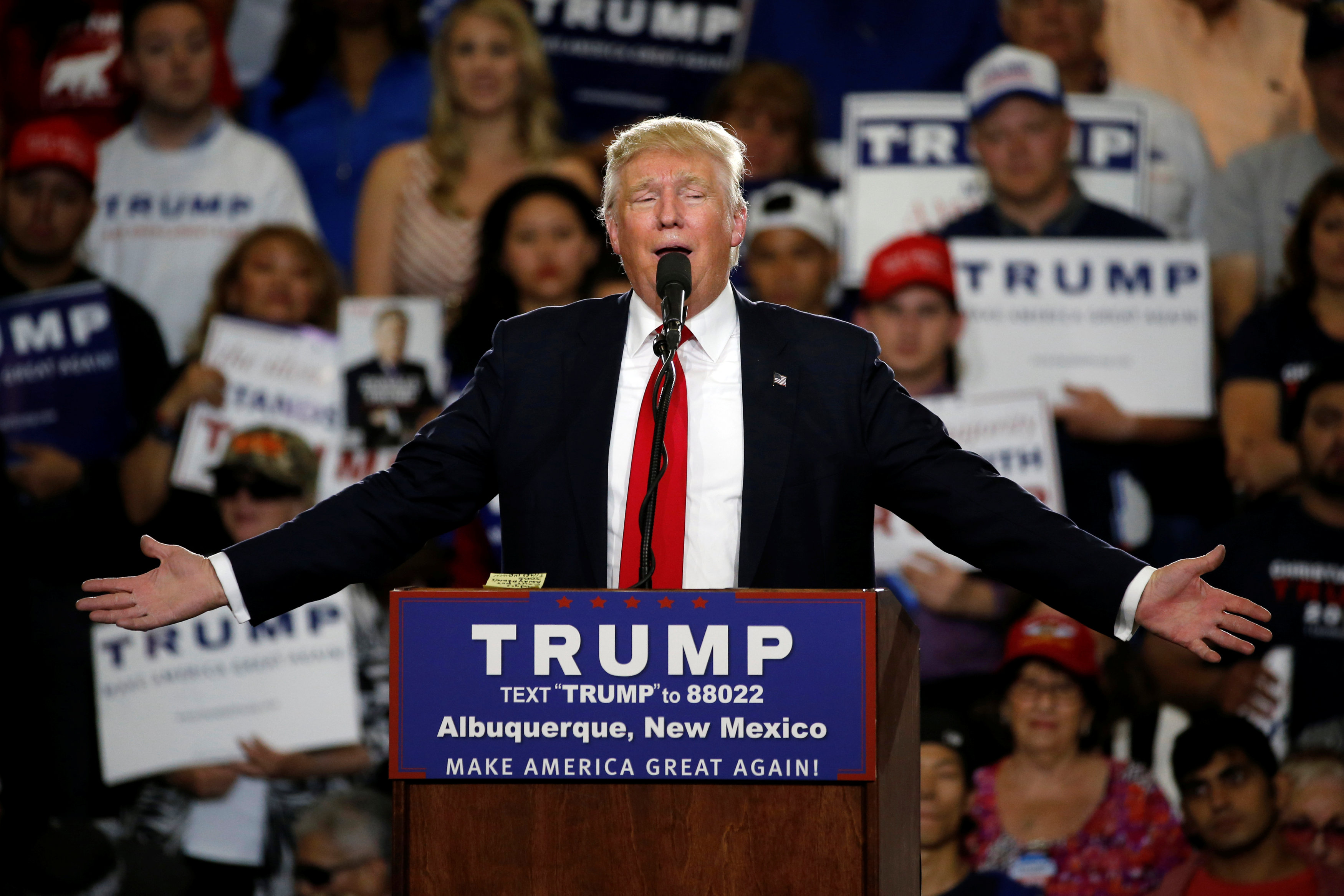 The danger of president Trump isn't dictatorship