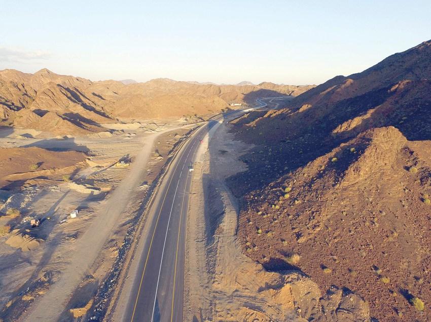 Oman transport: Samad-Wadi Andam road opened