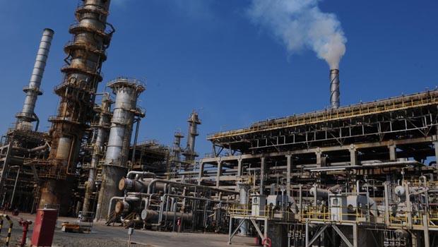 Oman's refineries to raise regular grade petrol production