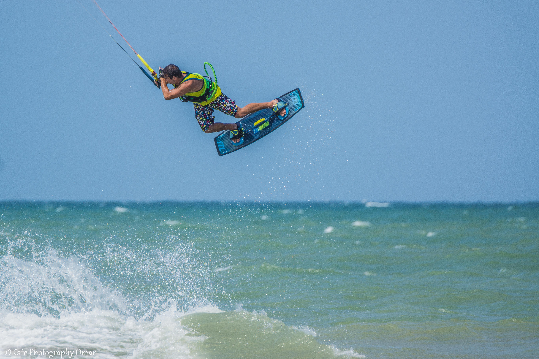 Learn kitesurfing on Oman beaches