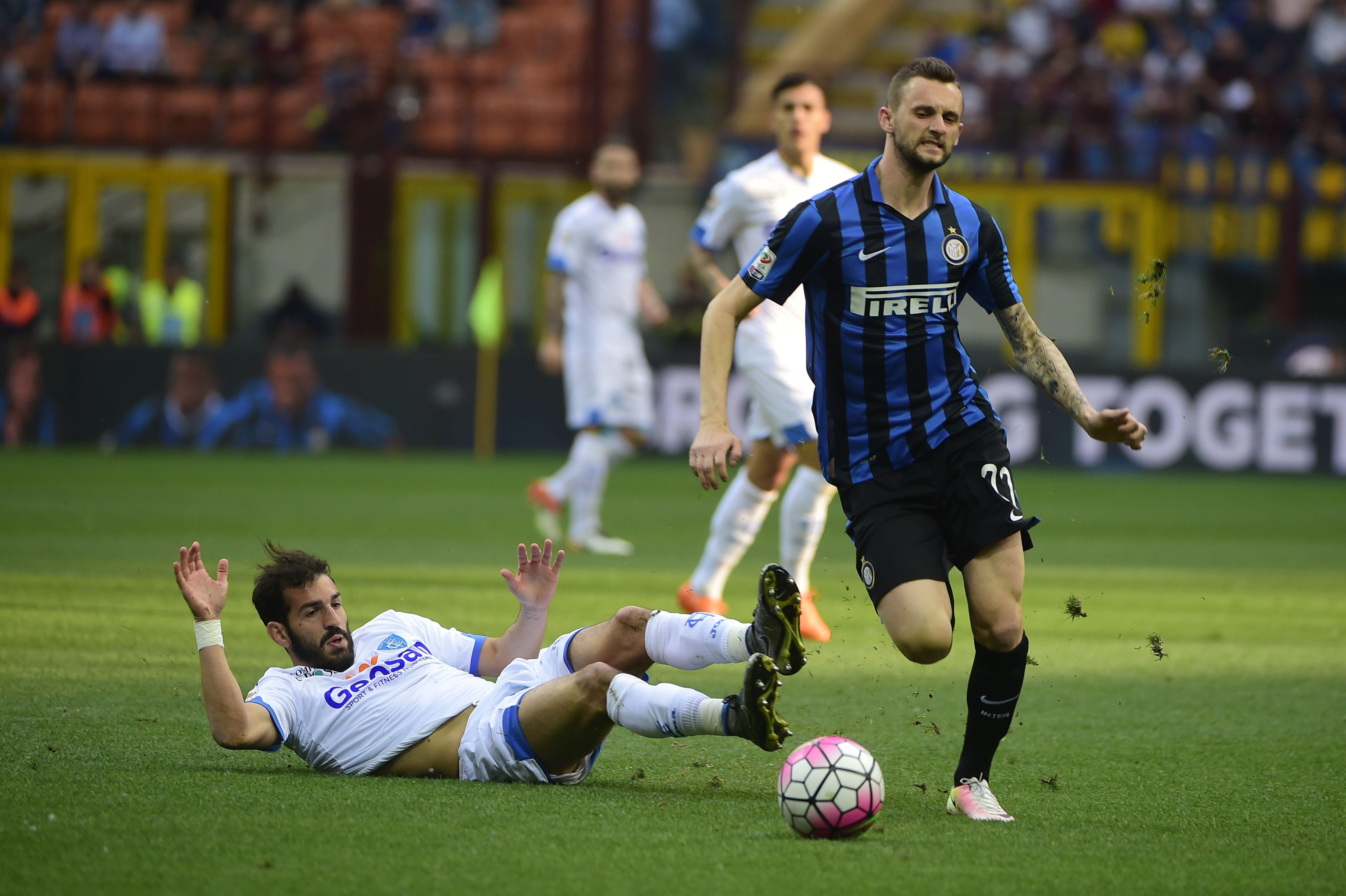 انتر ميلان يفوز على إمبولي بصعوبة في الدوري الإيطالي