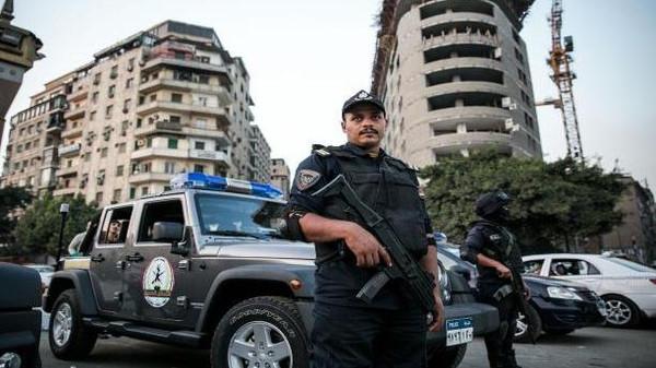 مسلحون يقتلون ثمانية من أفراد الشرطة في حلوان جنوب القاهرة