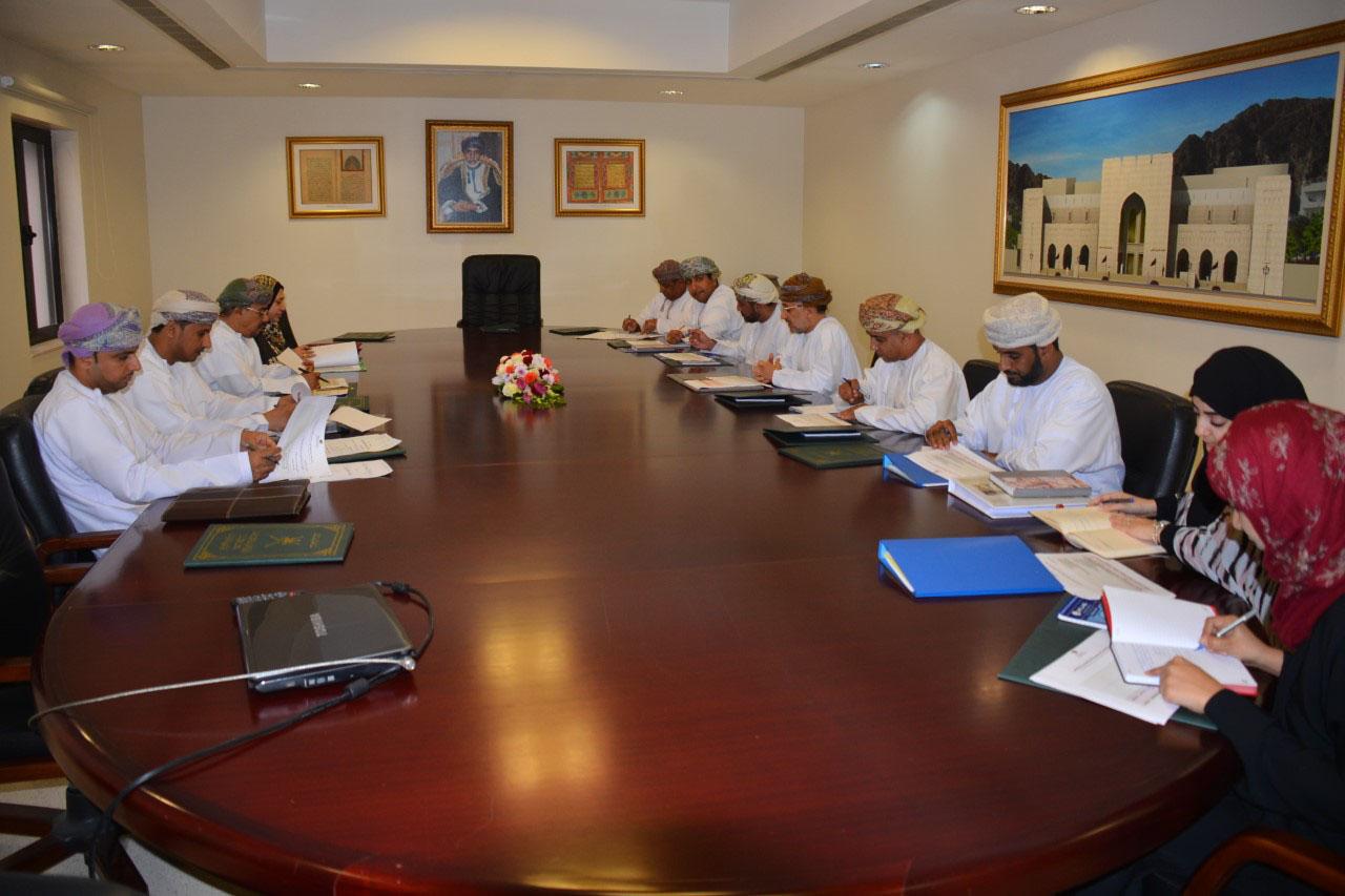 """اللجنة المشتركة بين """" التراث والثقافة"""" وجامعة السلطان قابوس تعقد اجتماعها الثالث"""