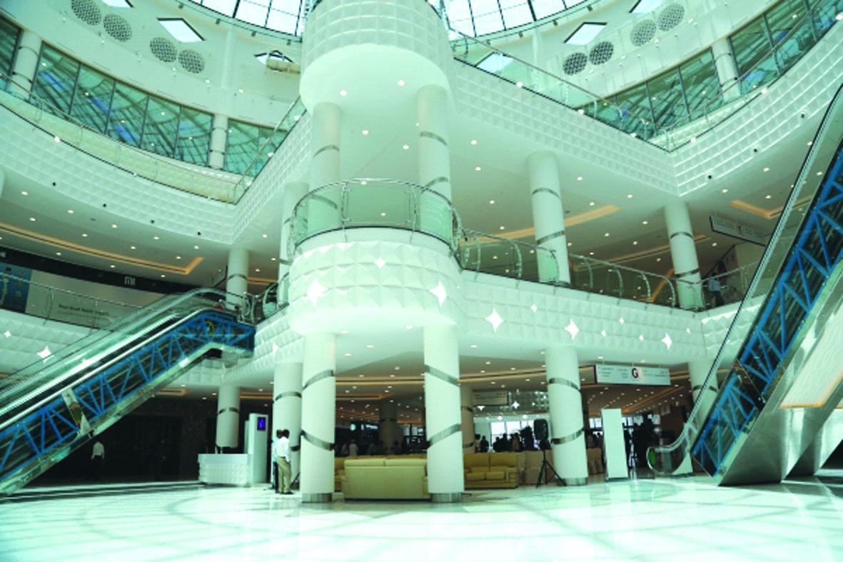 SQU organises blood donation campaign at Oman Avenues Mall