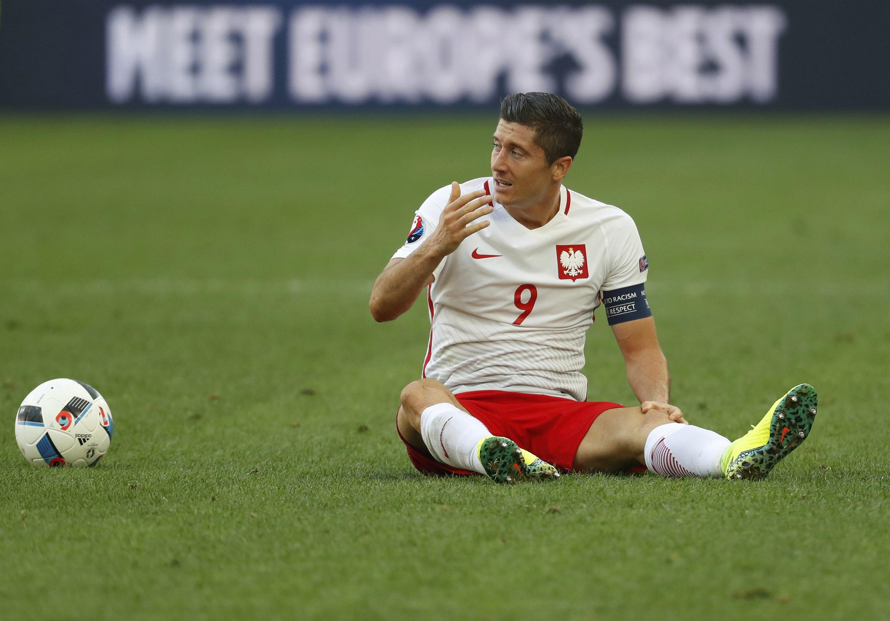 Euro 2016: Goal-shy Lewandowski still Poland's engine, says coach