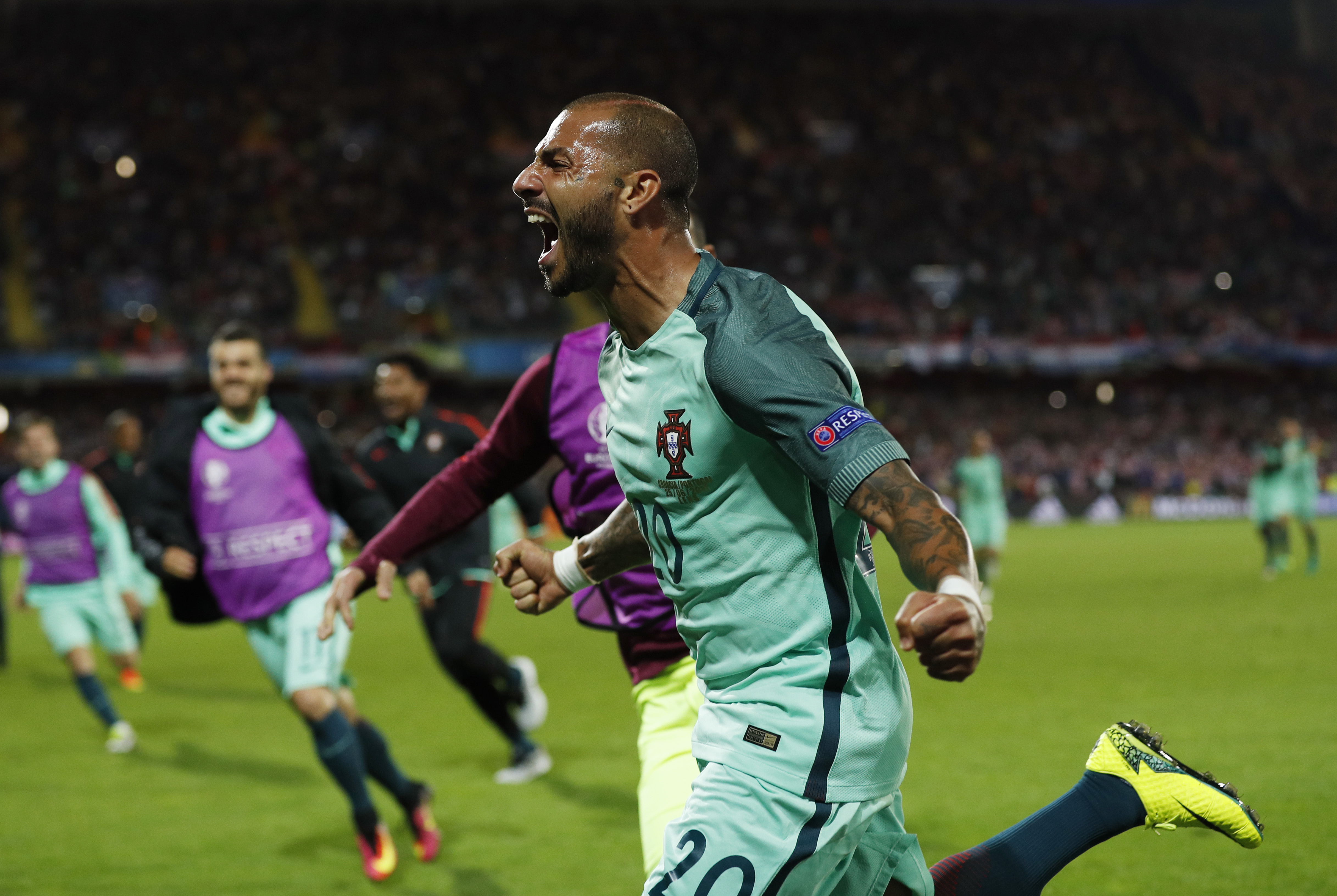 Euro 2016: Portugal substitute Quaresma snatches extra-time winner