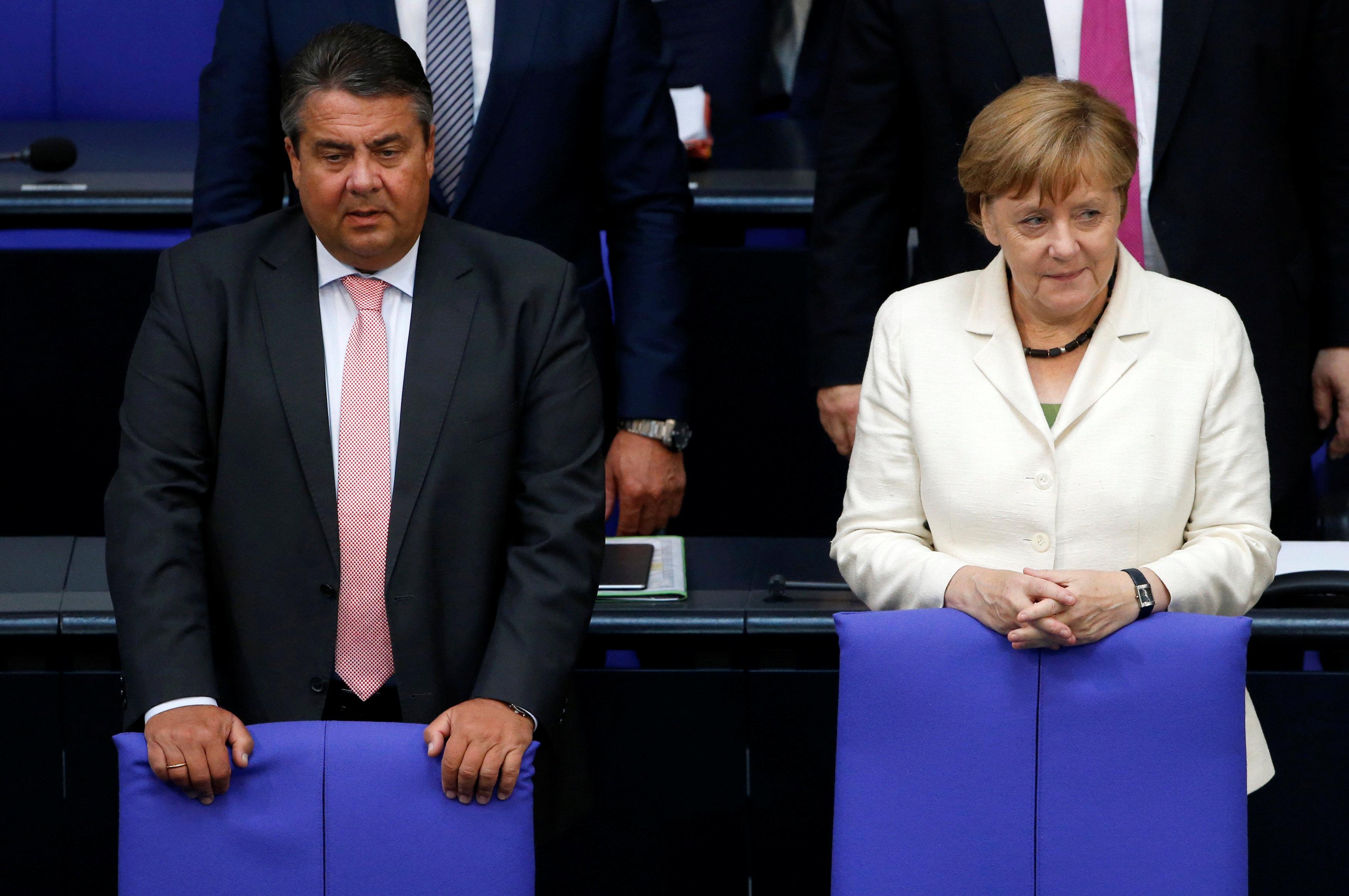 "Merkel tells Britain no ""cherry-picking"" in Brexit talks"