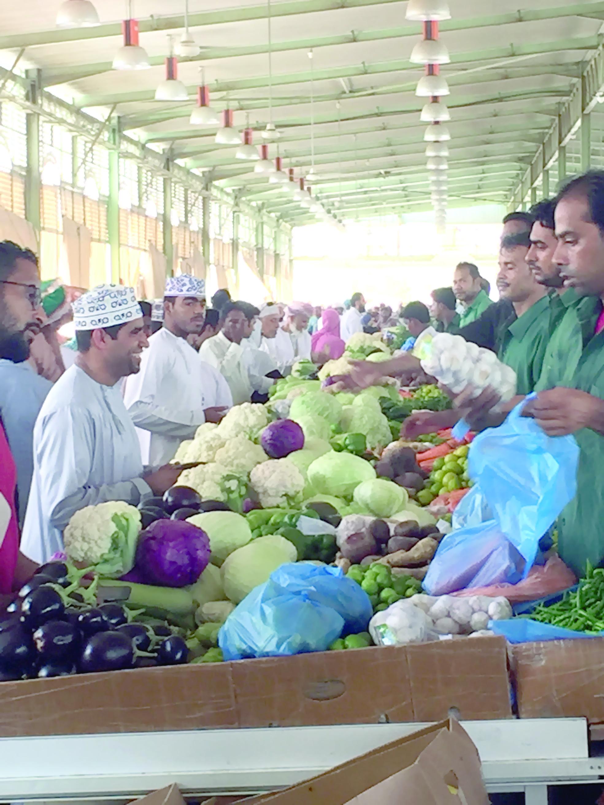 سوق الموالح يوفر  28 ألف طن من الفواكه والخضروات  لرمضان