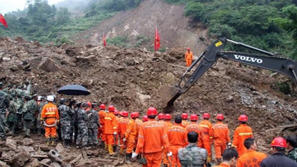 مقتل شخص وإصابة وفقدان 28 آخرين في انهيار أرضي بمقاطعة قويتشو الصينية