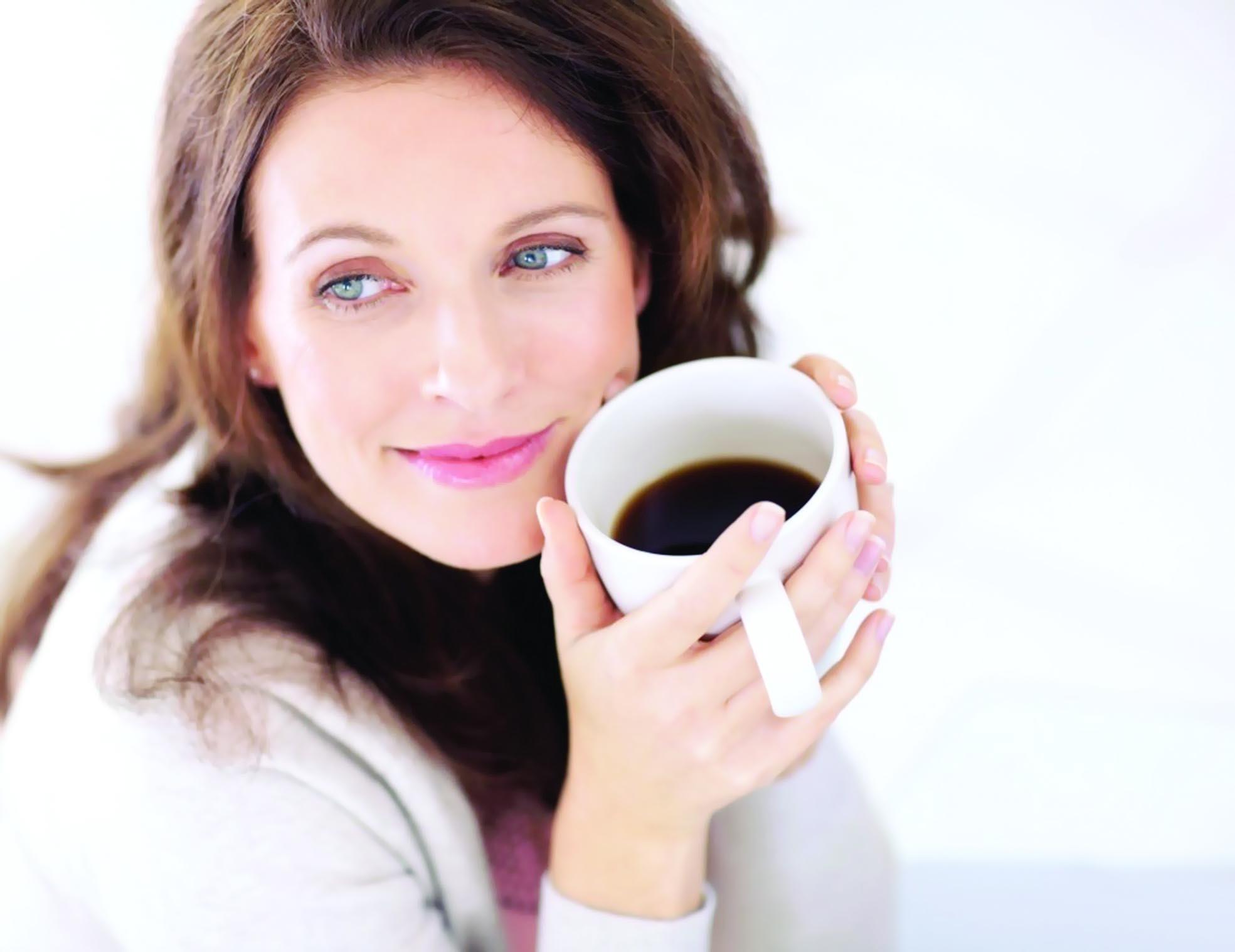 تناول القهوة بانتظام قد يلحق ضرراً بالسمع