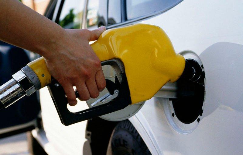 إحصاء : 44 % من المواطنين يأكدون تأثير زيادة أسعار الوقود عليهم بشكل كبير