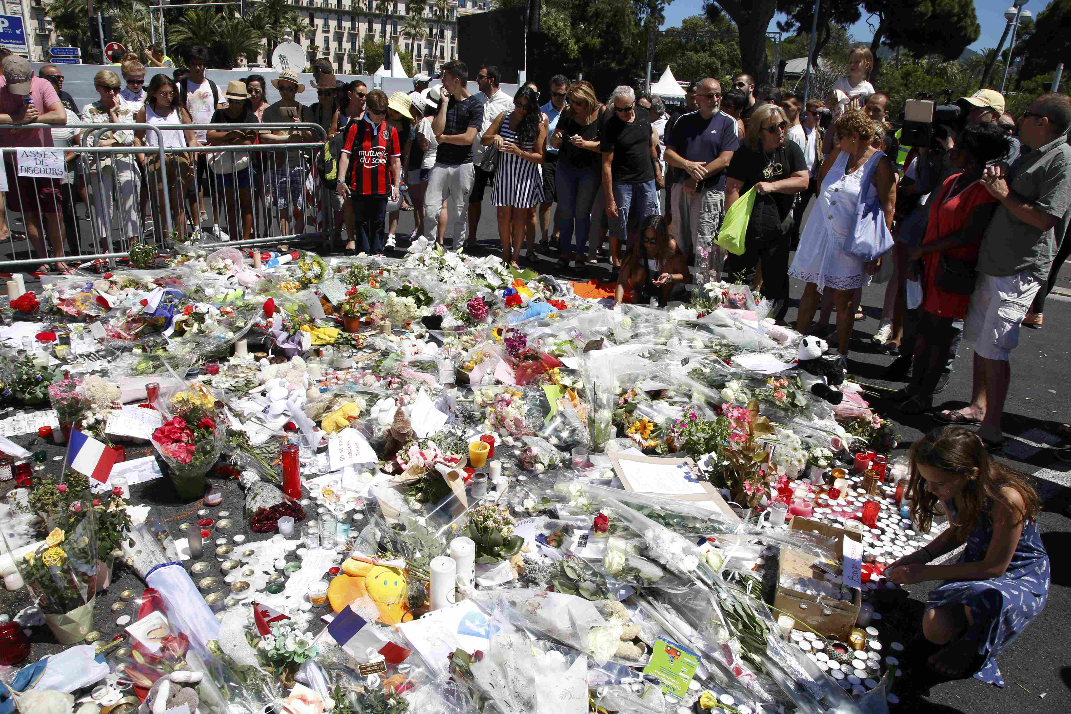 Why terrorists keep succeeding in France