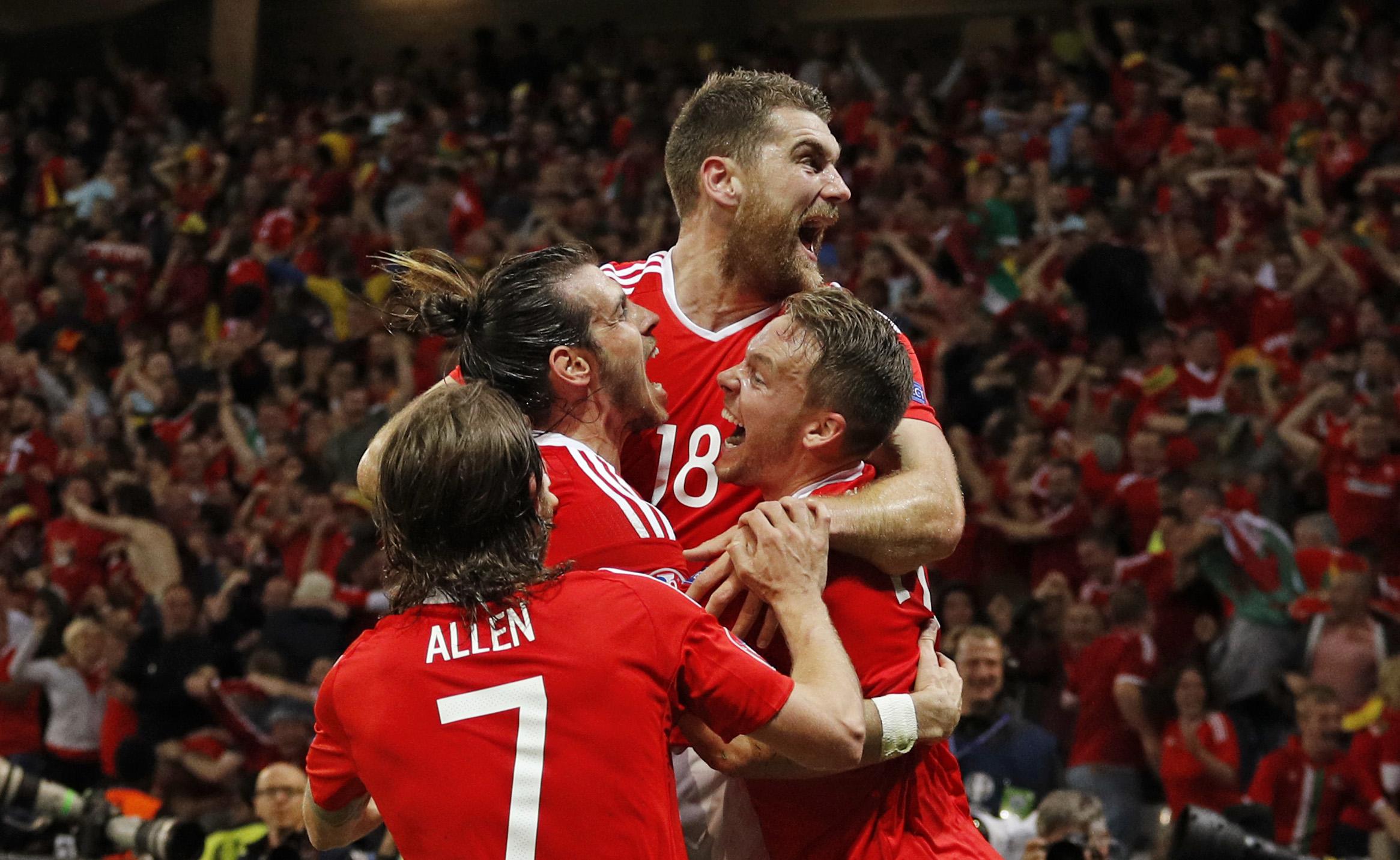 ويلز تفجر مفاجأة بفوزها على بلجيكا لتتأهل للدور قبل النهائي باليورو