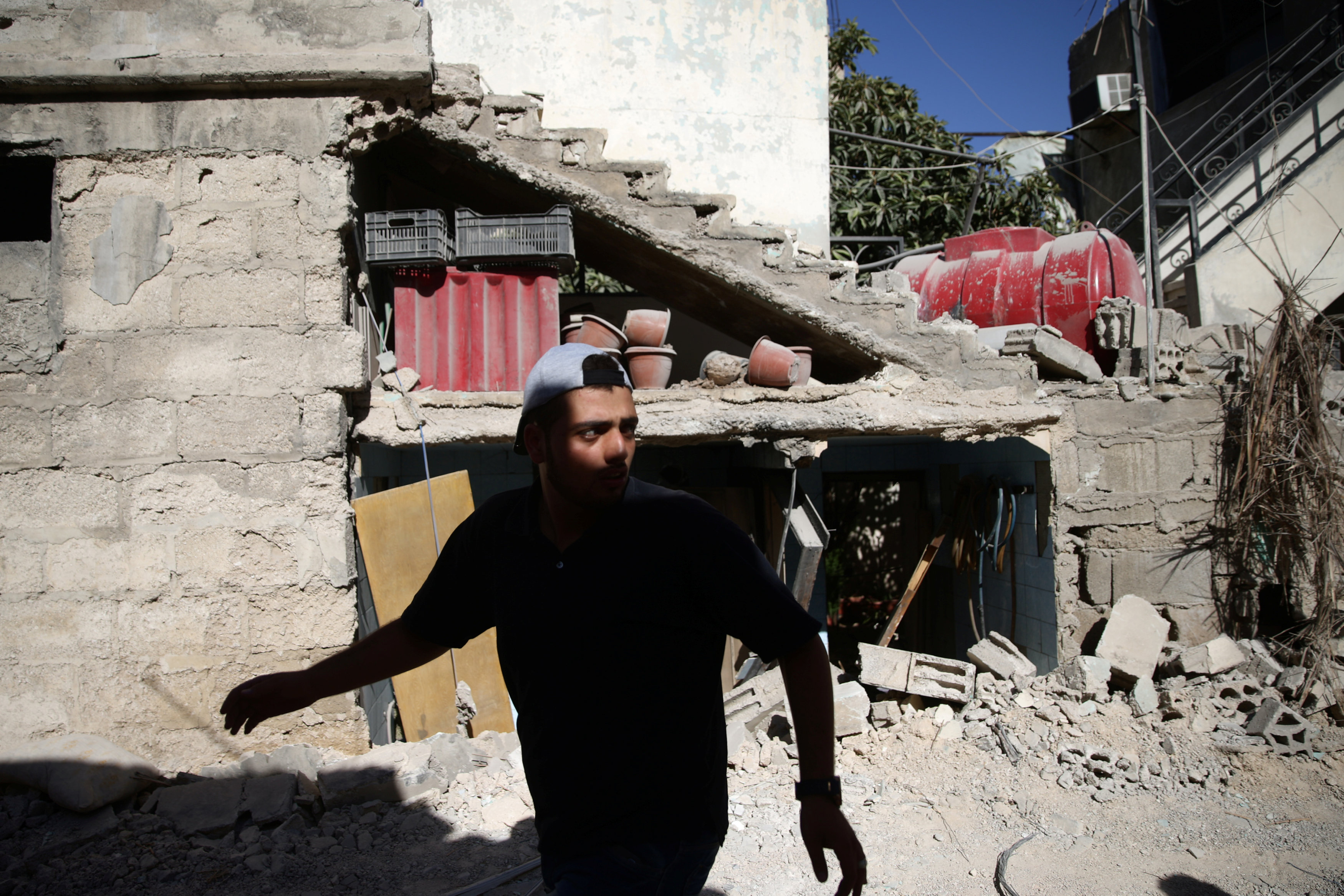 IS shuns offer to withdraw from Syrian city