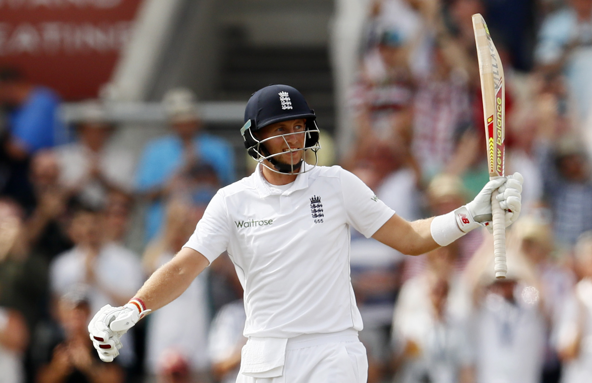 Cricket: Root masterclass puts England in command