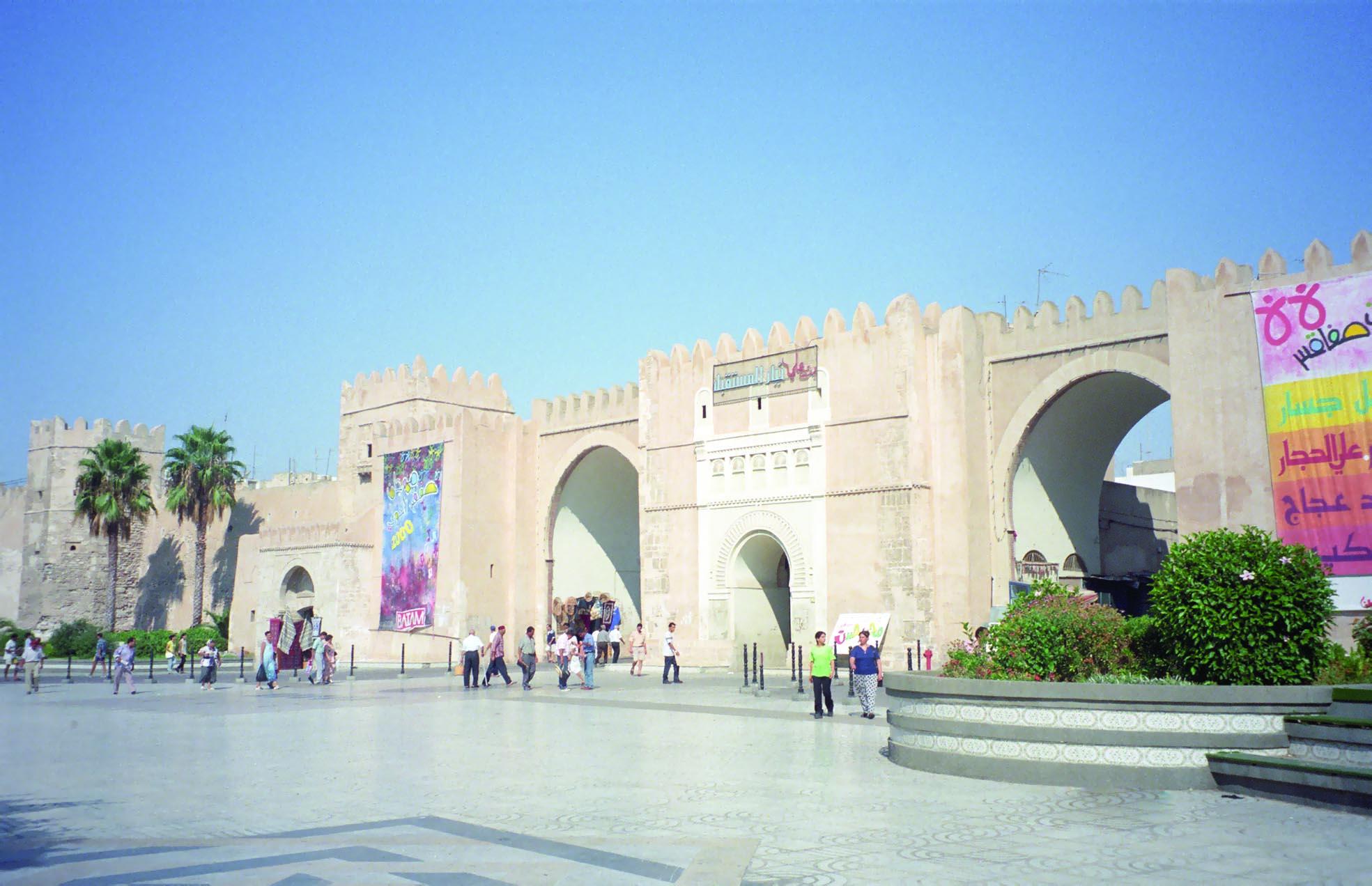 عطور وأنوار في احتفالية صفاقس عاصمة للثقافة العربية لعام 2016