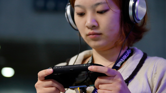 Sony posts profit as games outweigh sagging sensors