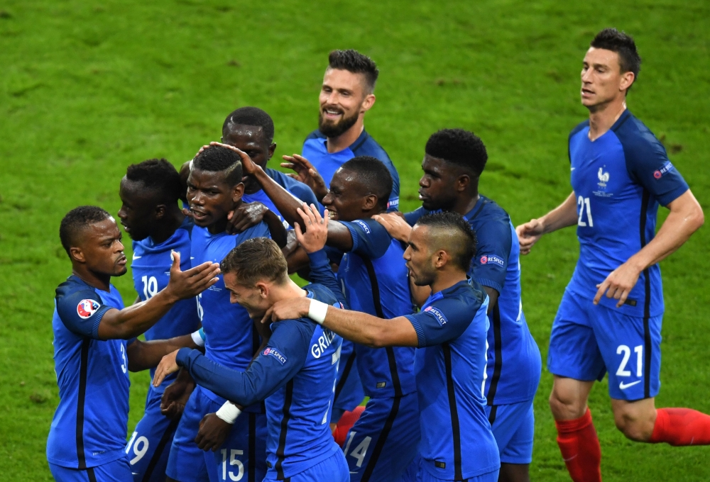 فرنسا توجه انذارا شديد اللهجة لالمانيا باكتساحها ايسلندا