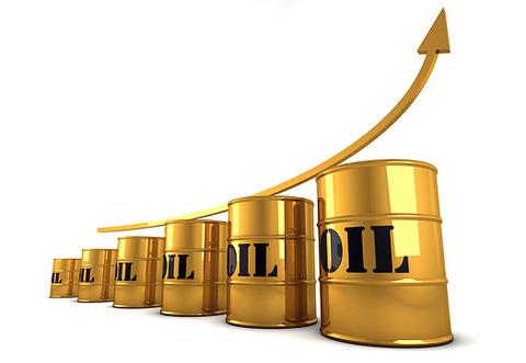 أسعار النفط العالمية تسجل ارتفاعاً مع احتمال خفض الإنتاج