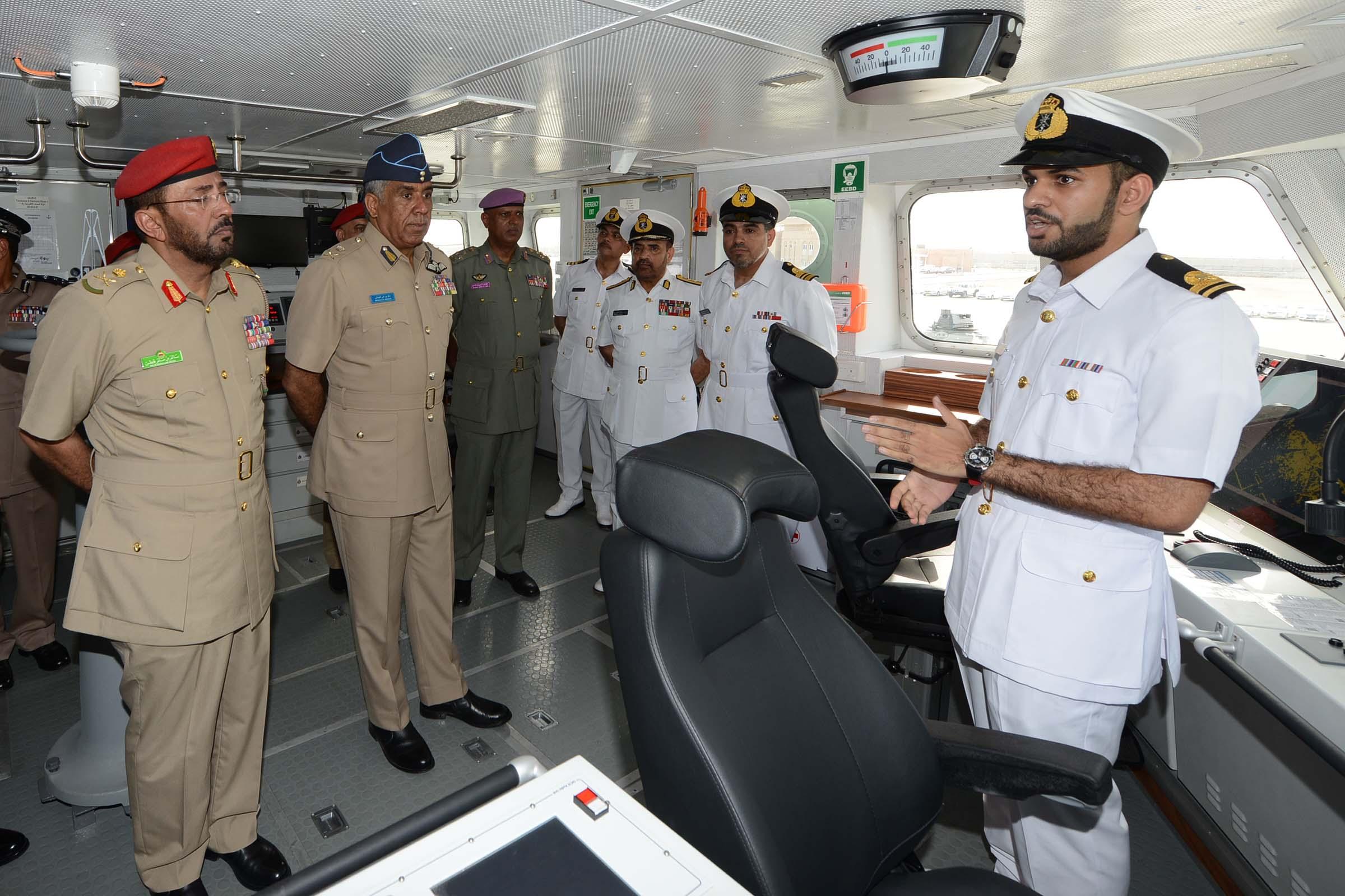 البحرية السلطانية العمانية تحتفل بانضمام السفينة (خصب) إلى أسطولها البحري
