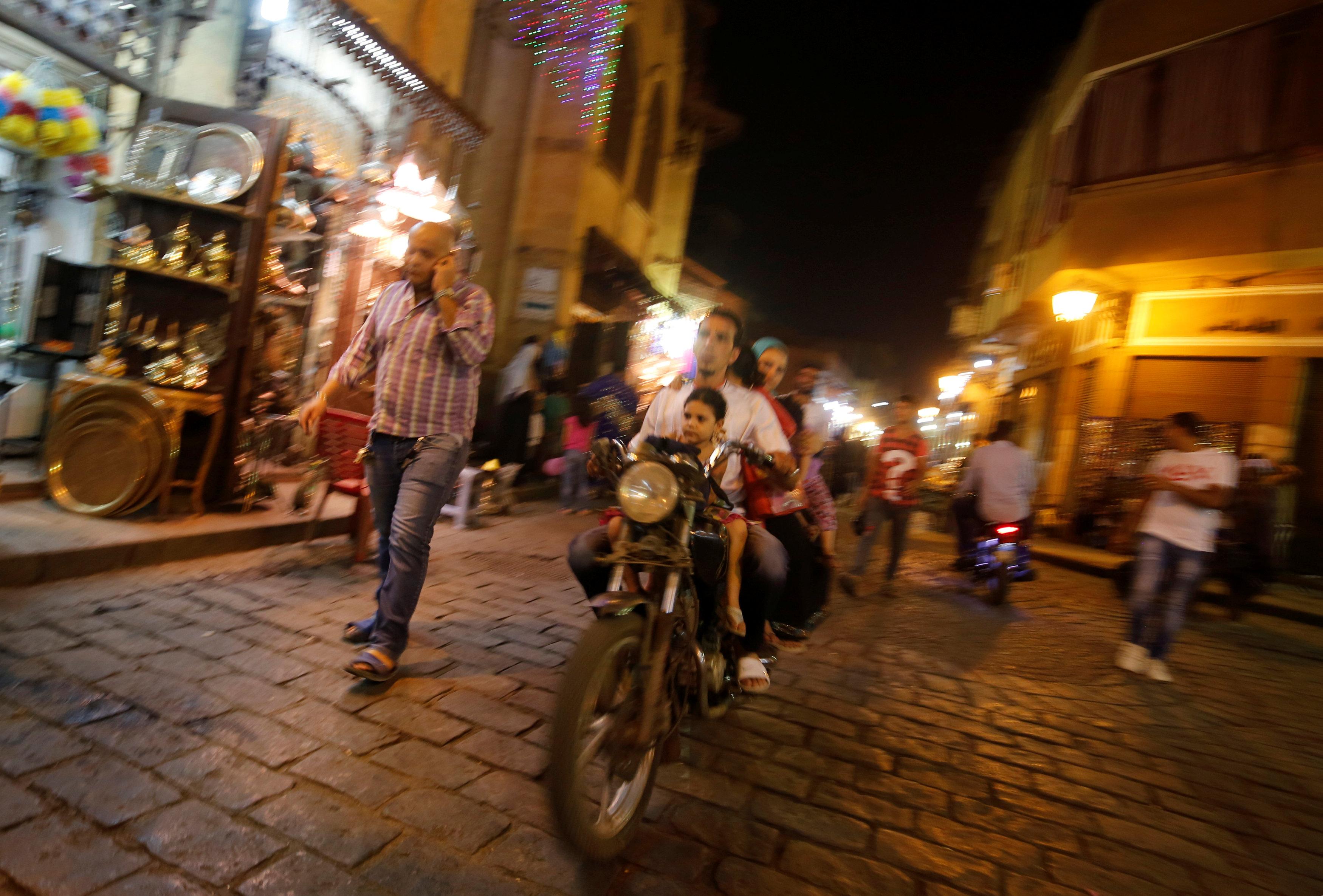 In Egypt, International Monetary Fund deal brings austerity few can afford