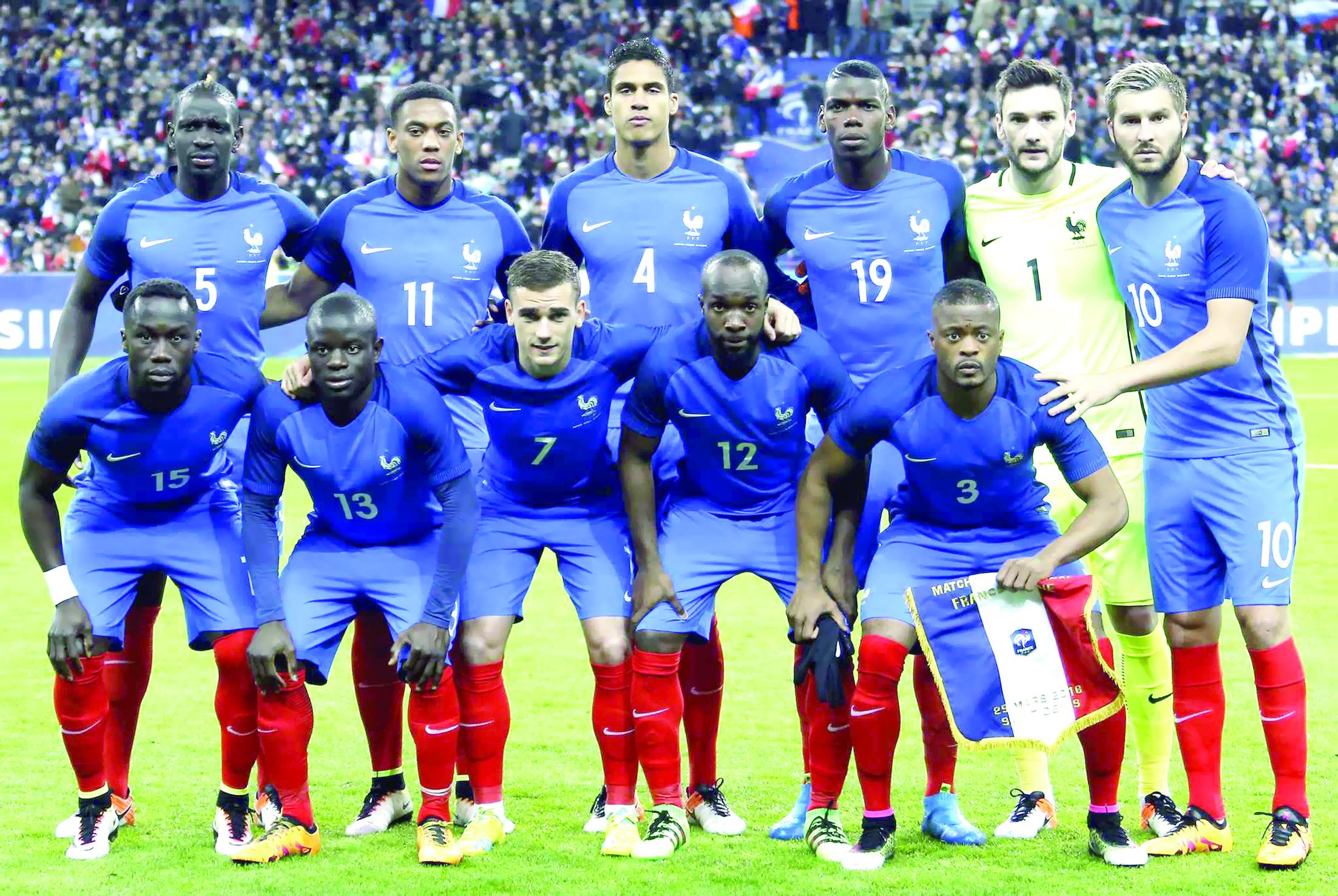 أسرار المنتخب الوطني الفرنسي لكرة القدم في كتاب