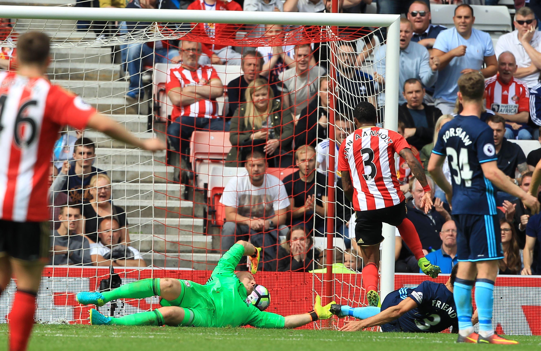 ميدلزبره يحقق فوزه الأول في الدوري الانجليزي