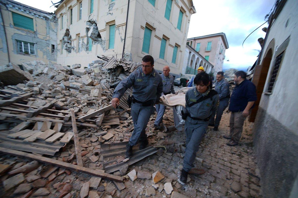 ارتفاع حصيلة زلزال ايطاليا الى 18 قتيلا على الاقل (مسؤولون)