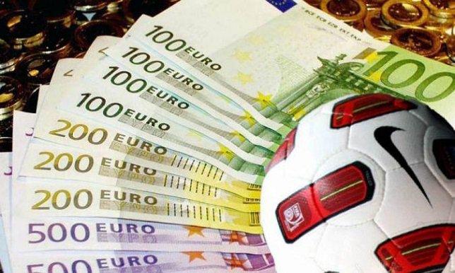 إنفاق أندية البريمرليج تخطى عتبة المليار يورو