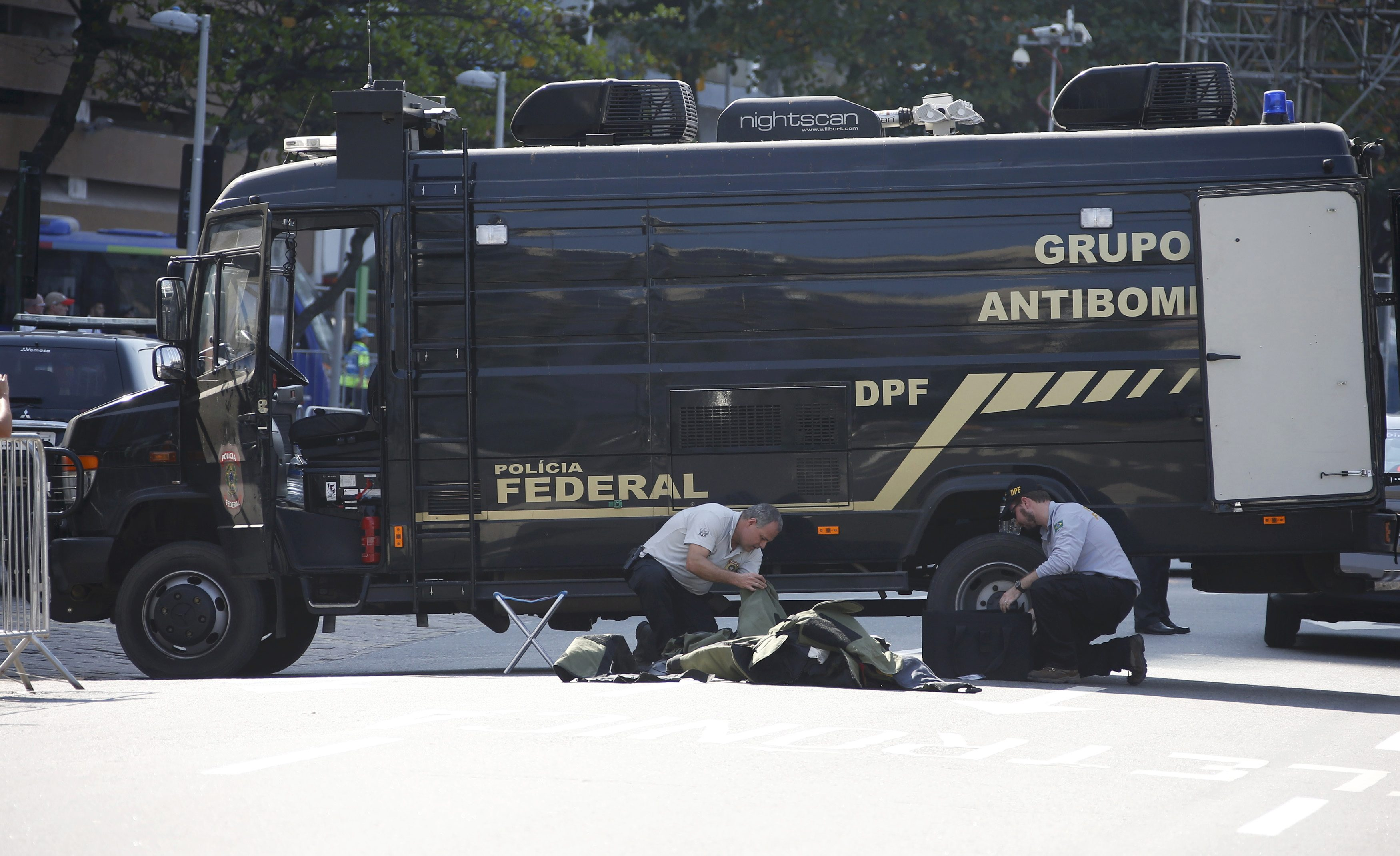 Rio bomb squad blows up backpack near cycling course: official