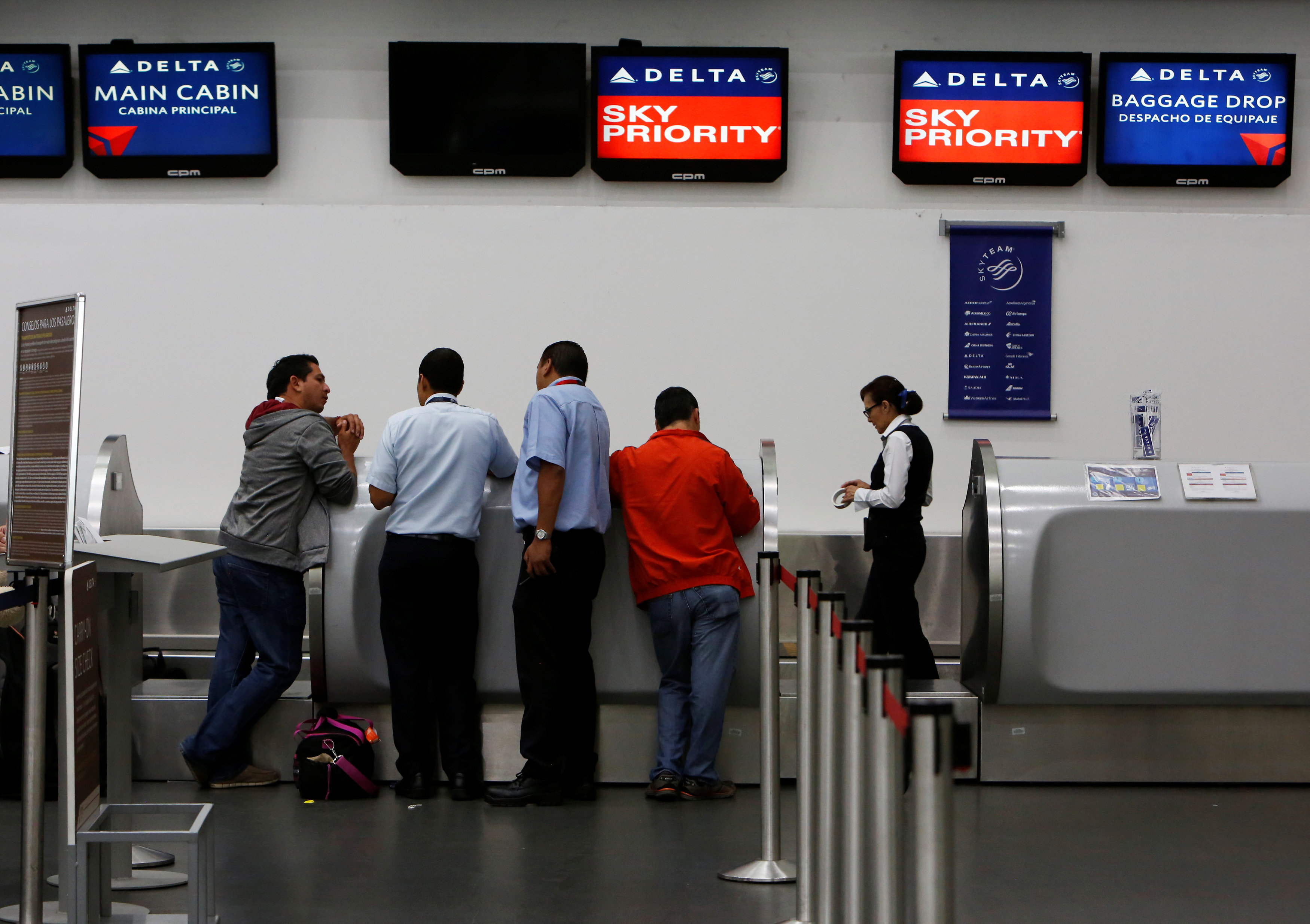 Delta cancels more than 500 flights worldwide on Tuesday
