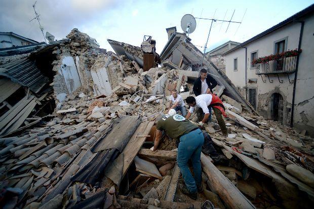 وفاة مصابين بزلزال إيطاليا