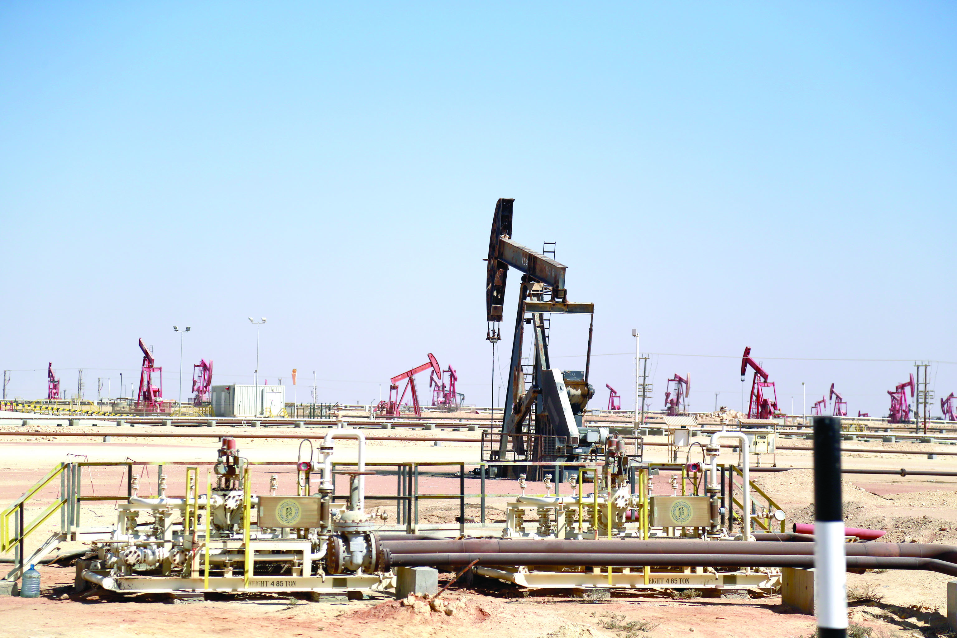 نفط عمان ينخفض 49 سنتًا