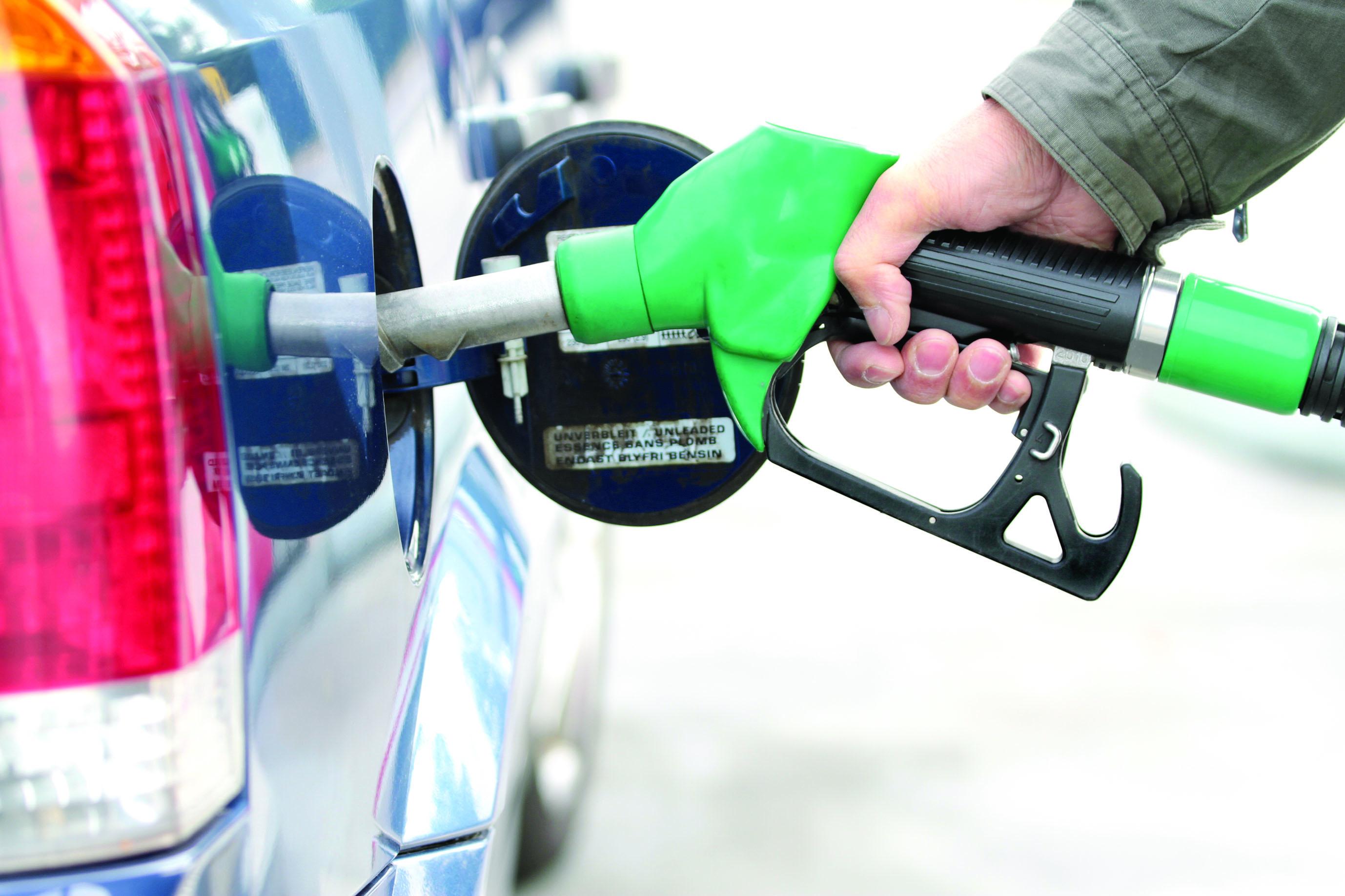 الصيانة الدورية للسيارة والمحرك يحد من استهلاك الوقود ويوفر على المستهلك