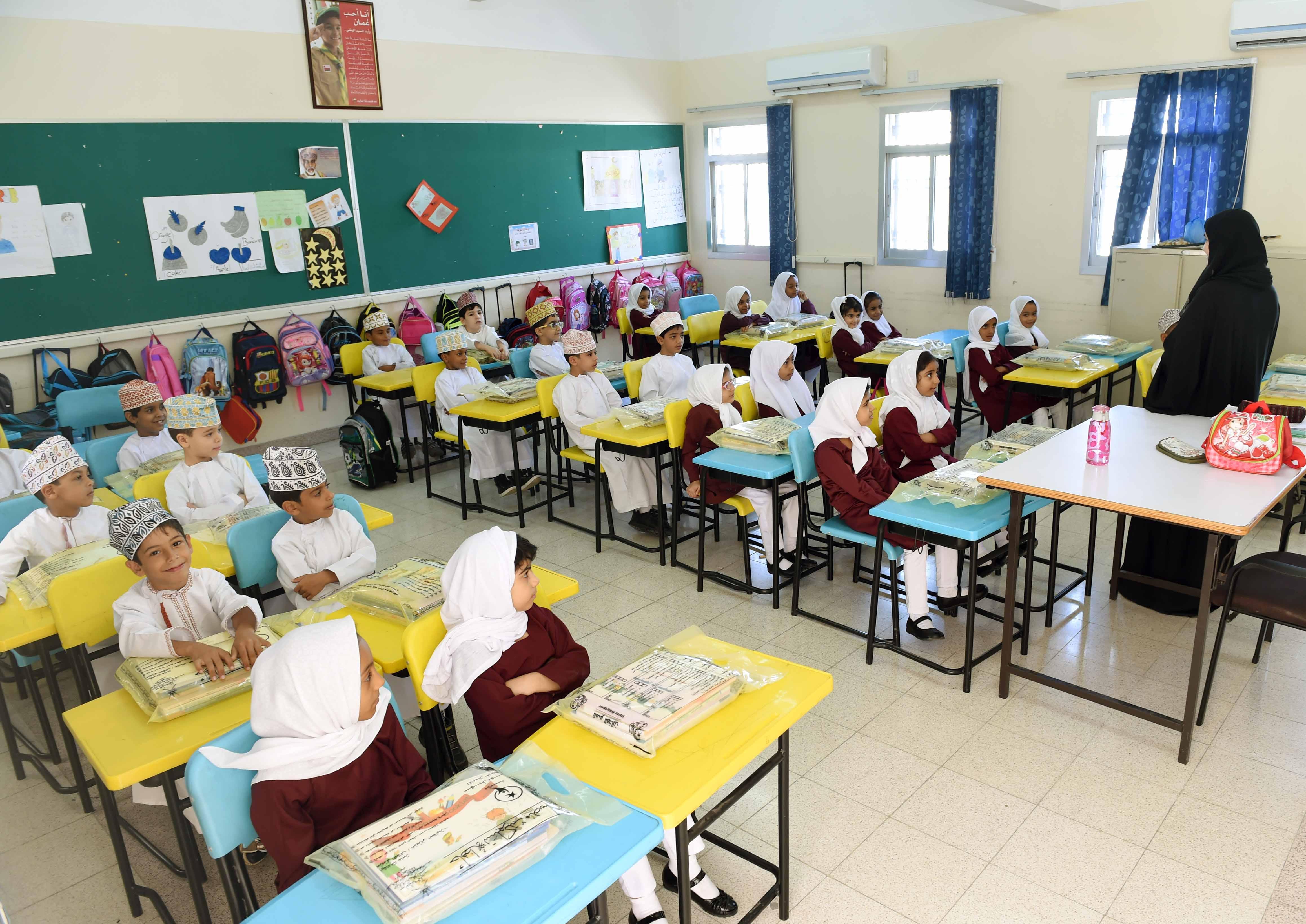724,395 students in Oman schools