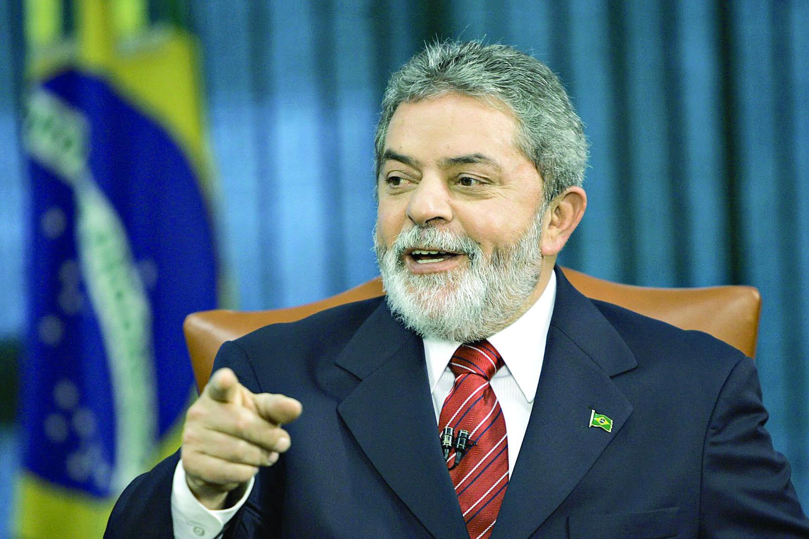 لولا دا سيلفا يلمح الى انه سيترشح لرئاسة البرازيل