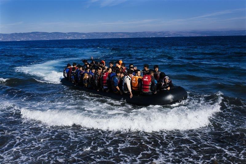 خفر السواحل القبرصي ينقذ 84 لاجئا سوريًا