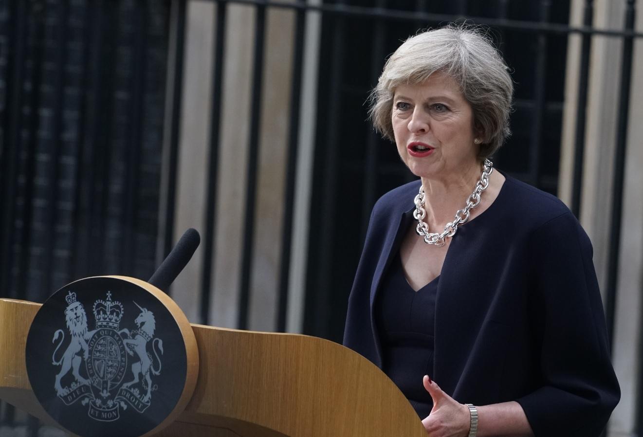 بريطانيا: ينبغي وقف الهجمات على حلب